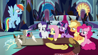 Discord lying weak on throne room floor S9E2