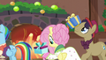 Flutterholly and stallion receiving presents S6E8.png