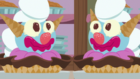 Giant clown-shaped ice cream sundaes S7E6