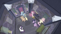 Mane 6 trapped inside a house S5E02