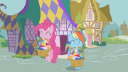 Pinkie Pie and Rainbow Shopping S1E5