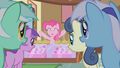 Pinkie Pie free muffins! S01E04.png