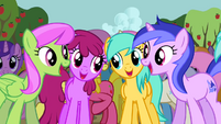 Ponies singing along 3 S2E15