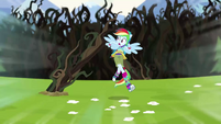 Rainbow Dash dodging vines as she sprints EG4