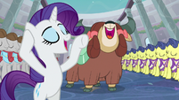"Rarity and Yona singing ""waaaaayyyyy"" S9E7"