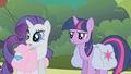 Rarity looks at Rainbow Dash S01E10.png