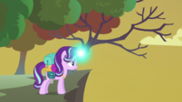 Starlight testing her magic in the hive area S6E26