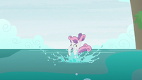 Sweetie Belle diving into the oceans S9E22