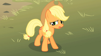 Applejack looking concerned 2 S01E18
