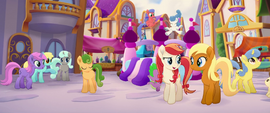 Earth mare talking with Apple Cobbler MLPTM