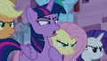 "Mean Twilight ""making sure you do what I said!"" S6E25.png"