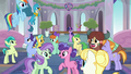 Ponies and creatures start singing together S8E1.png