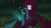 Queen Chrysalis -and serve me!- S8E13
