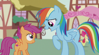 Rainbow Dash singing to Scootaloo S5E18
