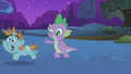 Snips gallops past Spike S1E06.png