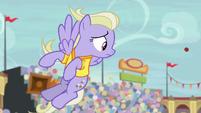 Sweet Buzz sees buckball flying away S9E6