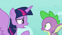 Twilight -fly up and distract him- S8E11