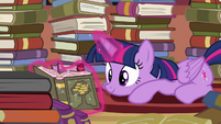 Twilight Sparkle reading S4E09