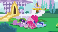 Twilight and friends crash to the ground S5E12