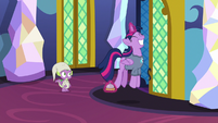 Twilight happily bouncing away S9E16