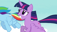 Twilight with a grin S4E21