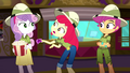 "Apple Bloom ""a missin' pet?"" SS11.png"