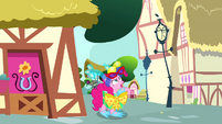 Pinkie Pie -got to get her title back- S4E12