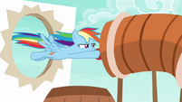 Rainbow flies into obstacle tunnel S6E18