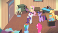 Rarity '...it's everypony for herself in this town!' S4E08.png