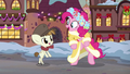 Spirit of HW Presents and Featherweight dancing happily S6E8.png