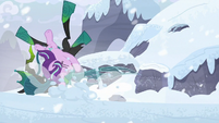 Starlight and Chrysalis fall in the snow S9E24