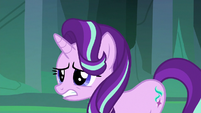 Thorax nervously walks into the throne room S6E26