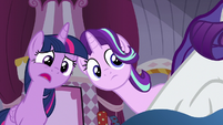 Twilight asks Rarity what she's doing S7E14