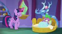 Twilight opens Spike's curtains again S8E11