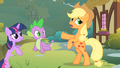 Applejack scared S01E15.png