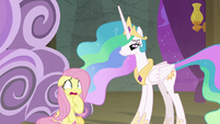 Fluttershy getting stage fright again S8E7