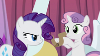 Rarity annoyed at Sweetie Belle S6E14