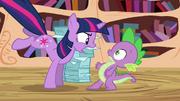 S03E01 Twilight jest wściekła na Spike'a