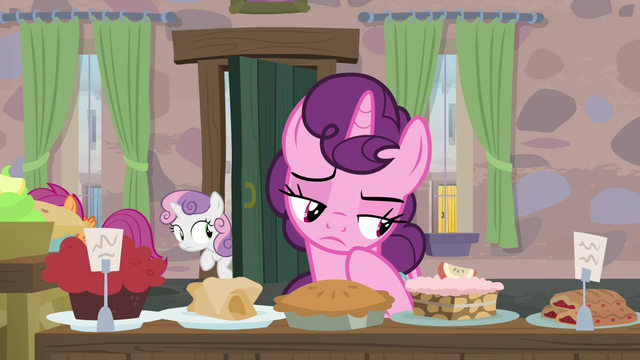 File:Scootaloo and Sweetie Belle sneak into Sugar Belle's house S7E8.png