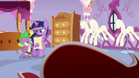 Spike gives the scroll back to Twilight S6E22