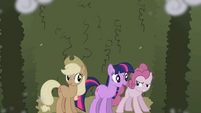 Twilight with Applejack and Pinkie S2E01