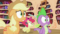 Applejack, Apple Bloom and Spike 'No known cure' S2E06