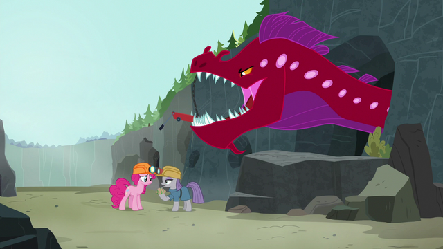 "File:Maud Pie oblivious ""what eel?"" S7E4.png"