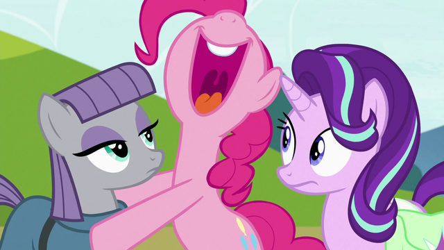 File:Pinkie Pie laughing loudly S7E4.png