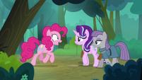 Pinkie Pie suggesting a friendship brunch S7E4