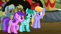 Ponies mumbling about song S2E15