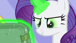 Rarity's eyes turn green S4E23