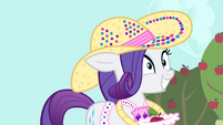Rarity hears Trenderhoof S4E13