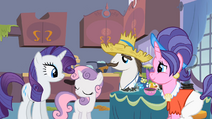 Rarity with her family S2E5