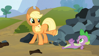 Spike saves Applejack 14 S3E09